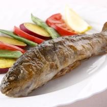 【食事】夕食:岩魚のムニエル