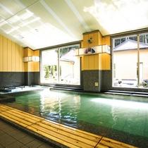≪大浴場≫ゆったりと楽しめる大きな浴槽が自慢です。
