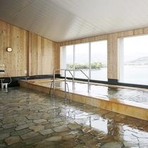 *【2階大浴場】湖畔の大浴場からの眺望は開放感バツグンです!