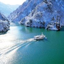庄川遊覧船(冬)