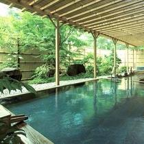 【露天風呂イメージ】檜を施した御影石の浴槽でゆったりおすごしください