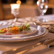 料理長のこだわりの逸品がつまったフランス料理をごゆっくりご堪能ください。(※写真はイメージです。)
