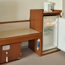無料金庫とフリースペースの冷蔵庫