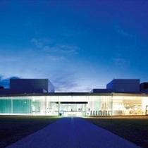 【金沢21世紀美術館】愛称はまるびぃと呼ばれる近代美術館 ※ホテルよりお車で約80分