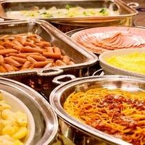 【朝食バイキング】豊富なメニューで朝からお腹いっぱい!※写真はイメージです