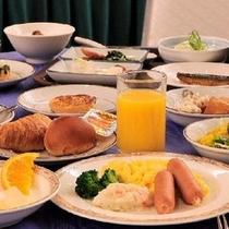 【朝食バイキング】お腹いっぱい朝食を食べて出かけよう! ※写真はイメージです