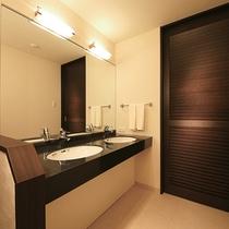 【スーペリアルーム】バスルームとトイレはセパレート♪広々としたゆとりの空間