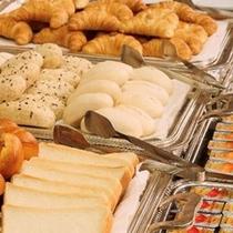 【朝食バイキング】朝は決まってパンにコーヒーという方も※写真はイメージです