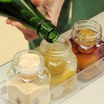 【梅干館オリジナル梅土産づくり体験イメージ】3種のベース酒と3種の砂糖をブレンド♪オリジナル梅酒作り