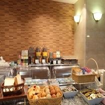 朝食バイキング(パン等)