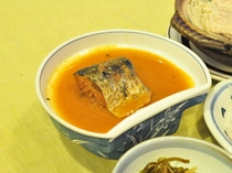 【名物 鯖の味噌煮】骨まで柔らか。ご飯がすすみます。
