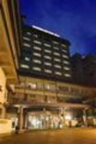 夜ホテル外観