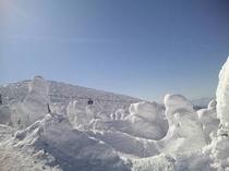 蔵王山頂樹氷とロープウェイ
