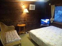 木の香り柔らかな客室一例