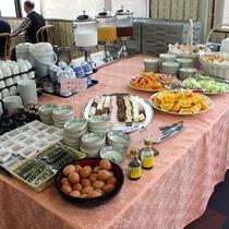 【春夏秋冬】朝食バイキングでは洋食もデザートやパンなどございます!