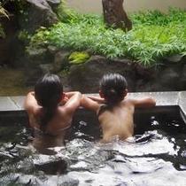 【春夏】貸切露天風呂は2人だけの世界で楽しめます
