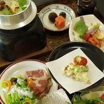 【秋】お食事会場では松茸会席膳をお出ししております