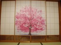 扉を開けると満開の桜が…(*^-^*)