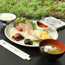 【朝食一例】和朝食をお楽しみいただけます。