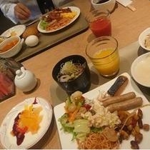朝食は4F展望レストランでバイキング