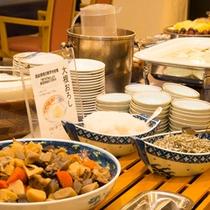【朝食】新鮮な野菜を使った和洋朝食バイキング。栄養バランス◎