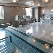 【大浴場】天然温泉でお肌もツルツル!