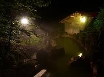 渓谷露天風呂(夜)