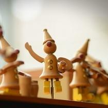 ピアノのうえで踊る人形