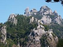 『瑞牆(みずがき)山』日本百名山の一つです。