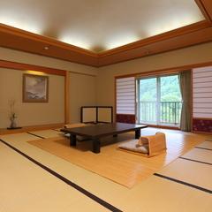 【2階20畳】広々20畳と当館一の景色を堪能