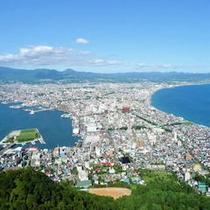 函館山から函館市街を望む(標高334M)