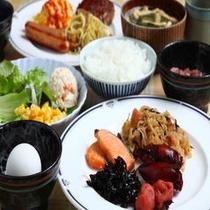 朝食盛り合わせ一例(和食)