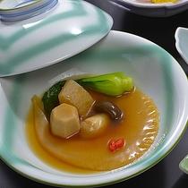 お勧め「竹」膳の三陸産フカヒレの姿煮