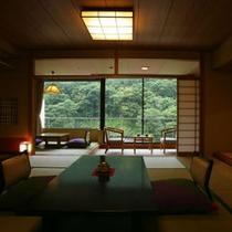 新緑の頃 客室の一例 (和室13.5畳)