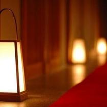 館内の一風景♪やっぱり間接照明は落ち着きます^^