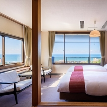 お部屋から日本海を一望することができます♪