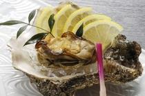 焼き牡蠣(別注料理、夏期のみ)