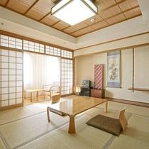 【和室10畳一例】広さ:42.7平米 畳の香りに心が和む、和の空間。