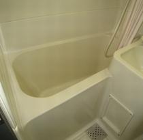 客室ユニットバス・トイレ 手狭ですが内風呂と併せてご利用ください。