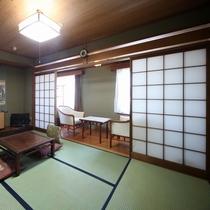 和室六畳間 鞘の間、広縁、式台付本格和室 バストイレ32インチTV、wi-fi可