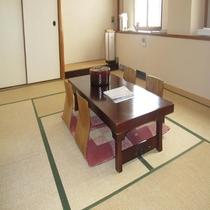 3階和室部屋風呂なし禁煙室 入口から見たイメージです