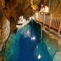 龍泉洞第2地底湖