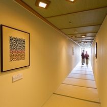 ■別邸うらら■回廊はギャラリーとなっております。