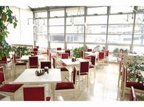 ■レストラン:明るくスタイリッシュな空間でお寛ぎ下さい♪