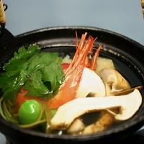 松茸土瓶蒸し(秋の美食プラン)