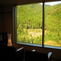 館内から望む大自然の眺望
