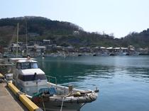 由良漁港と漁船