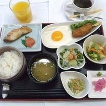 朝食:和定食一例