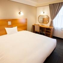【エコノミーキング】180cm幅ベッド、18平米、Wi-Fi、光有線LAN、空気清浄機あり