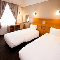 【エコノミーツイン】90cm幅ベッド×2、18平米、Wi-Fi、光有線LAN、空気清浄機あり